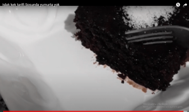 Sosunda yumurta olmayan ıslak kek tarifi